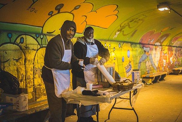 help others | men volunteering