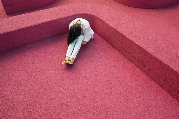 lie reality | woman depressed